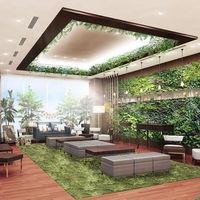 壁面に溢れる緑がナチュラル感を演出。2018年にリニューアルするモダンスイート併設のホワイエ