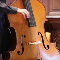 ピアノ、ウッドベースのジャス演奏でNOVELにしかできない挙式スタイルを