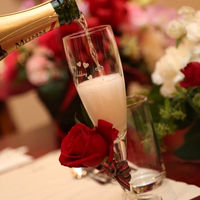 シャンパンの沸き立つ泡には幸せがわきあがる、という意味もあります