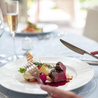 四季折々の旬食材で、 贅沢で洗練された婚礼料理
