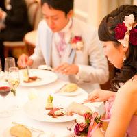 ゲストと一緒に珠玉の三ツ星料理を堪能して