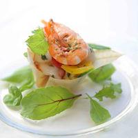 『前菜』 たっぷり海の幸と自家製ソフトピクルスのハーブ入りサラダ フランボワーズの風味