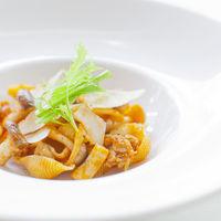 川沿いのレストランで美味しいイタリアン料理を♪