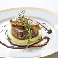 特別な日にふさわしい贅沢な食材を使用した料理でゲストに感動を贈って