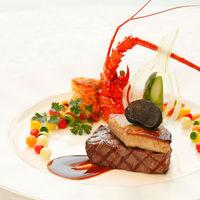 ご披露宴の席がより華やかになるお料理をご提供いたします。
