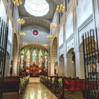 聖壇へつながるバージンロードの長さは県下最大!