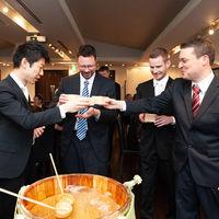 日本酒は海外からのゲストにも大人気