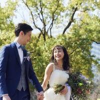 会場へと延びる並木道が、ふたりの結婚式への期待感を高める