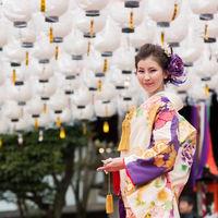 新春の万灯祭のモデル撮影の様子