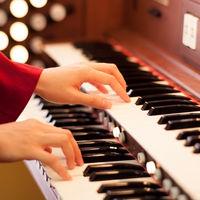 オルガンが美しく響きセレモニーを華やかに彩ります