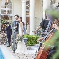 貸切リゾートで奏でる上質な生演奏は、ひと際印象に残るワンランク上の演出。