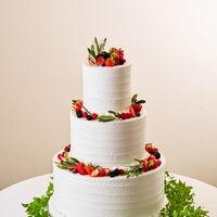 ウェディングケーキはオリジナルデザインもご案内させていただけます。