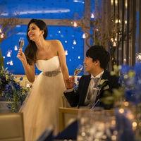 大人花嫁に似合うシンプルなラインのドレスラインナップも