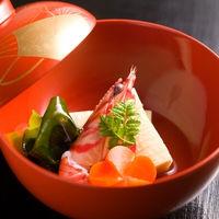 素材の良さを活かす伝統的な日本料理を堪能できるのは、料亭ならでは♪