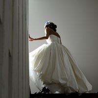 ウエディングドレスを引き立たせるアクセやヘッドドレスもご提案