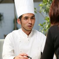 料理でゲストの皆様を幸せにしたい…そんな想いでシェフ自ら打合せし創り上げる美食