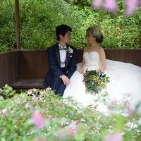 庭園で撮るドレス姿♪ ナチュラルでとっても素敵♪