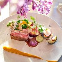 メインのビアンドのお料理は ゲストを思い浮かべたお好みのソースで