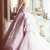 淡いピンクに上品なチュールが「大人可愛い」を叶える人気のドレス