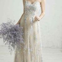 【GRANMANIE(グランマニエ)】本当に美しいウエディングドレスを日本の花嫁に、そんな想いでつくられ、愛され続けるブランド、グランマニエ。併設するドレスショップでご覧いただけます。