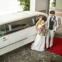 おふたりの結婚式にふさわしくご自宅までリムジンでお迎えに上がります。素敵な一日のスタートを豪華な気持ちで迎えましょう。