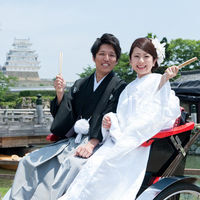 姫路城へは人力車に乗ることも可能