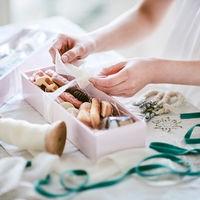 引菓子やプチギフトも心を込めてひとつひとつ丁寧に手作りいたします。優しい味も思い出に。