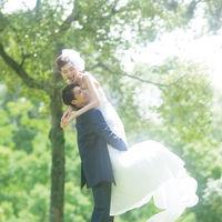 奈良公園での洋装前撮りもおすすめ!木漏れ日の中自然を感じる写真がとれますよ♪