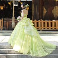 絶妙な色合いのカラードレス