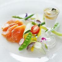 前菜一皿とっても、このこだわり 華やかな婚礼料理をご賞味あれ