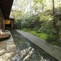 緑豊かな日本庭園での撮影も叶う