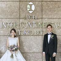 エントランスなど写真スポットが多数存在。花嫁をより引き立てる空間。