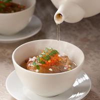 和のテイストも取り入れた料理は幅広いゲストに大好評