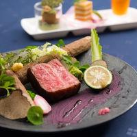 野菜やソースにまでこだわった、お箸で食べられるフレンチが魅力。