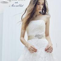 バリエーション豊かなドレスや和装も最新のラインナップでご用意!