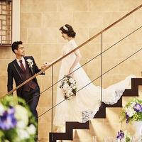 ゼフィールの披露宴会場にある階段からの入場でゲストの注目を集めて!