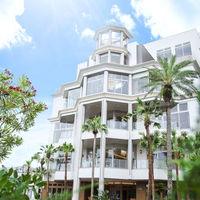 与次郎の海沿いに建ち、桜島を正面に望むゲストハウス