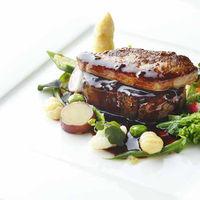 オーストラリア産牛フィレ肉とフォアグラのポアレ トリュフソース~ロッシーニ風~