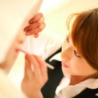 晴れ姿をしっかりお手伝い!美容のスタッフが花嫁様にあったヘアメイクをして参ります。