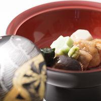 地元金沢食材を使った治部煮。金沢ならではの雅な料理は県内外の多くのゲストに評判