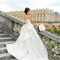 提携ドレスショップFoursis&Coは花嫁のわがままを叶える上質な衣裳展開。種類も豊富にございます。会場を熟知したスタッフが当日までサポートいたします。