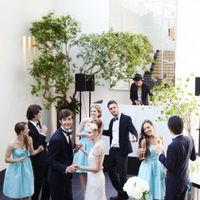挙式後のひとときはDJによる生演奏で海外のパーティのような雰囲気に