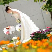 プライベートガーデンには季節のお花が咲き誇り、ゲストとともに祝福してくれる