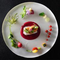 美食の国フランスで育まれた伝統を受け継ぐ料理には定評がある