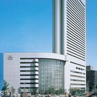 大阪駅からスグ。ヒルトンプラザEASTの6階に佇むチャペル・ド・コフレ
