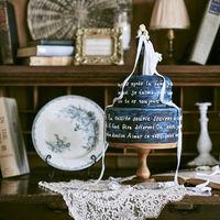可愛いケーキットッパーのセレモニーケーキ。おふたりのコンセプトに合わせた世界でたったひとつのウエディングケーキを。