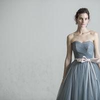 本当に美しいウェディングドレスを日本の花嫁に! GRANMANIE(グランマニエ)は本来貸衣装では着ることが叶わなかった本物のオートクチュールのためのウェディングドレスをレンタルでご提案したい。 そんな想いでつくられ、愛されるブランドです。