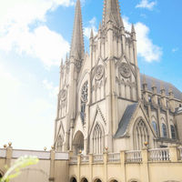 天空に聳えるツインタワー【大聖堂】 西欧の世界観がリアルなチャペルは中国エリア唯一★花嫁姿を惹きたてる聖堂★