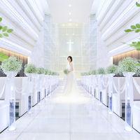 幻想的な空間で憧れのウェディングドレスが美しく映しだされます♪