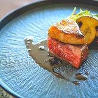 お皿1枚1枚にもこだわり見た目で味もワンランク上に。厳選神戸牛を使用
